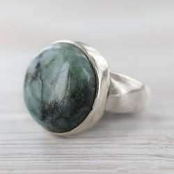 Smaragdiga sõrmus 19