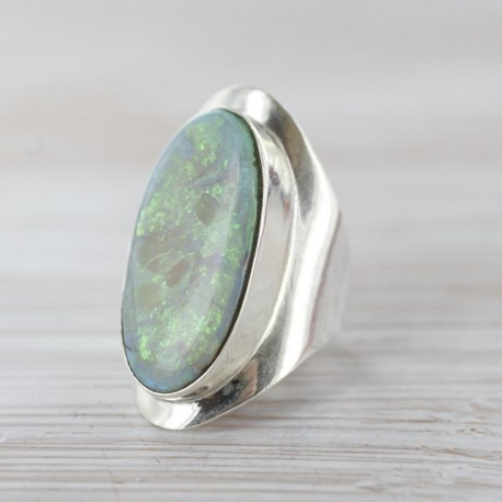 Opaaliga sõrmus 16
