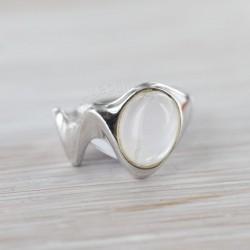 Roosa kvartsiga sõrmus 17