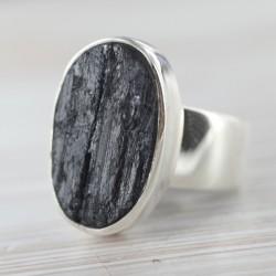 Musta turmaliiniga sõrmus 18