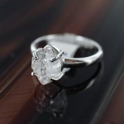 Herkimeri teemantsõrmus 18