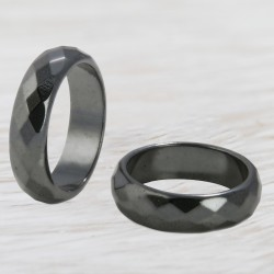 Hematiit sõrmus tahutud