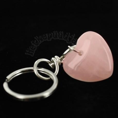 Roosa kvartsi võtmehoidja süda