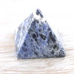 Sodaliit püramiid